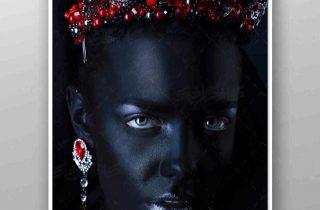 تصویر استوک زن سیاه پوست با تاج الماس قرمز