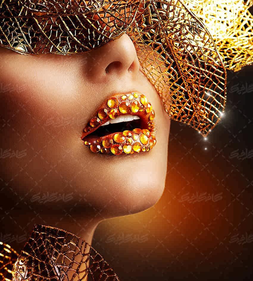 پوستر دیواری چهره و صورت بانو،پوستر دیواری آرایشگاه زنانه ،نمونه پوستر دیواری چهره و صورت زن طلایی